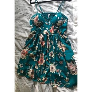 XHILARATION SUMMER DRESS SIZE XL